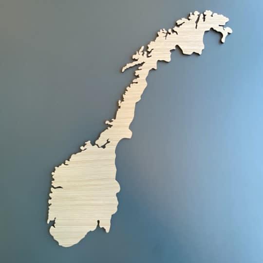 Norge kort i træ-lys-eg